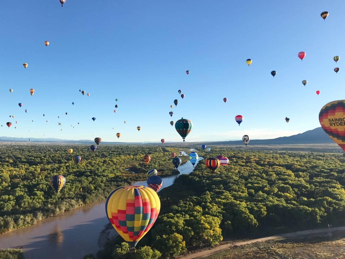 Hình ảnh khinh khí cầu đẹp, thơ mộng