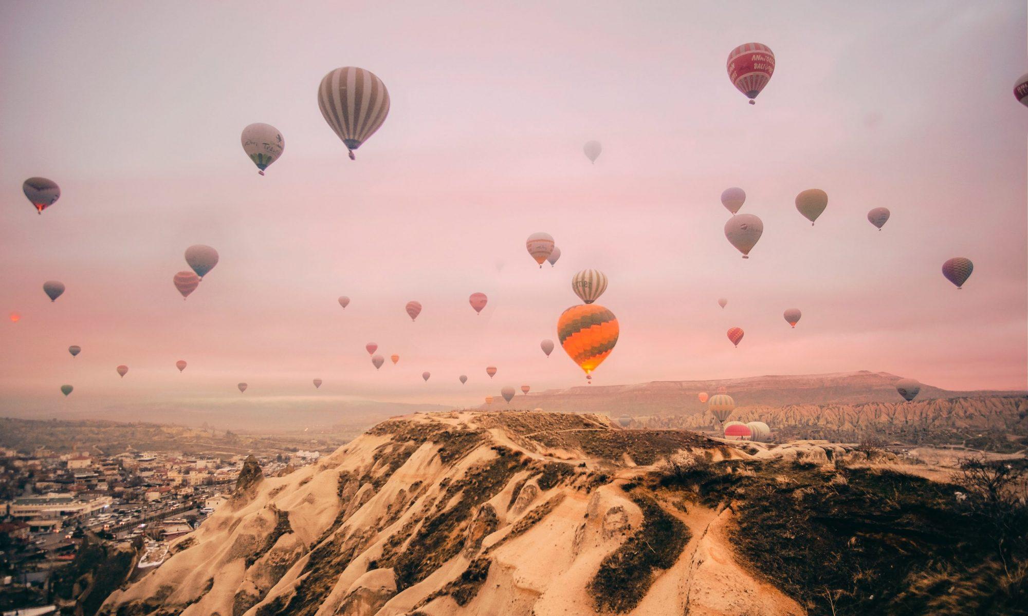 Hình ảnh khinh khí cầu đẹp và lãng mạn