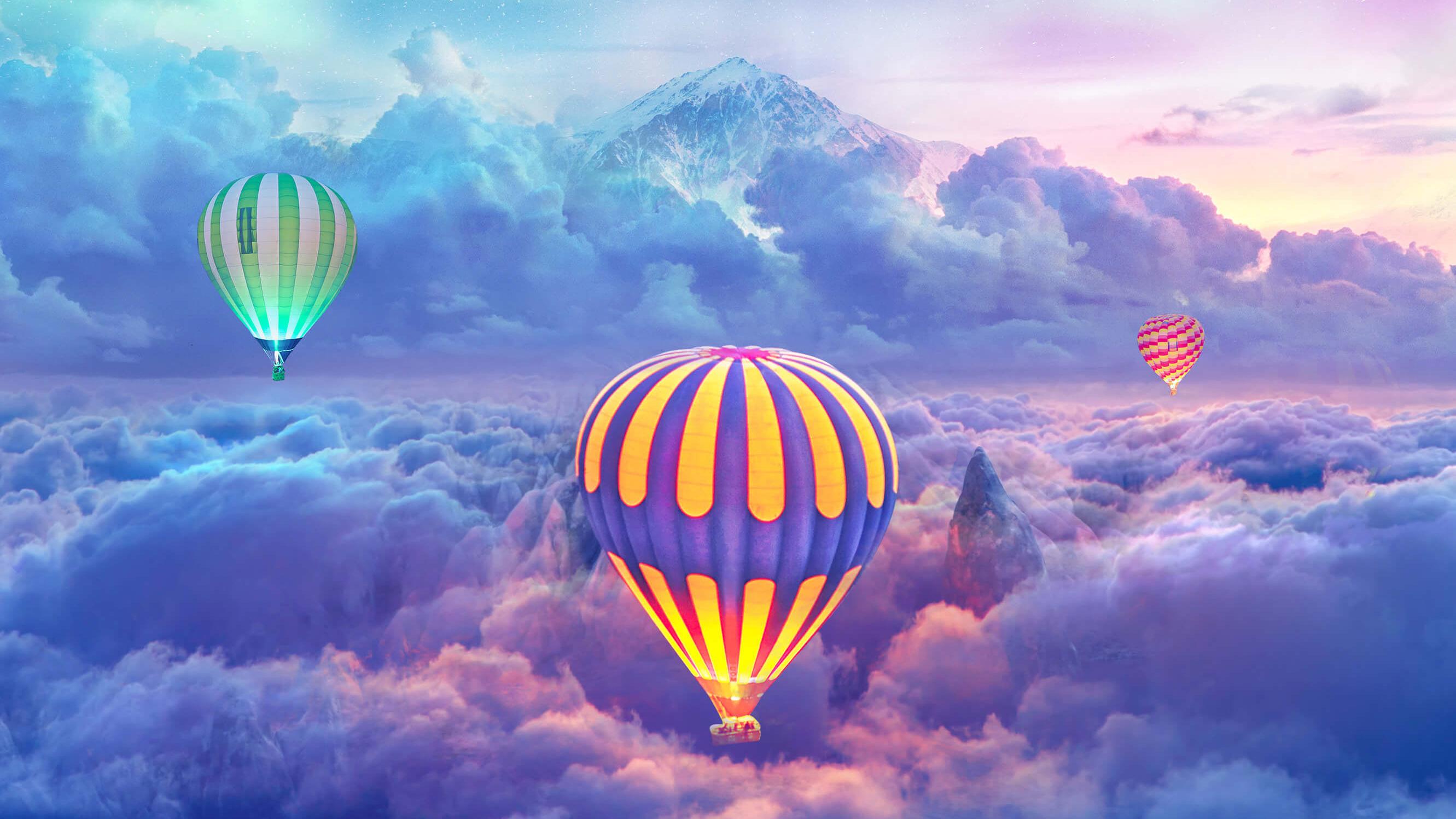 Hình ảnh khinh khí cầu trên những tầng mây cực đẹp