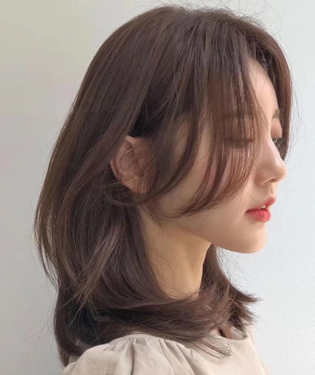 Kiểu tóc ngắn ngang vai mái dài đẹp