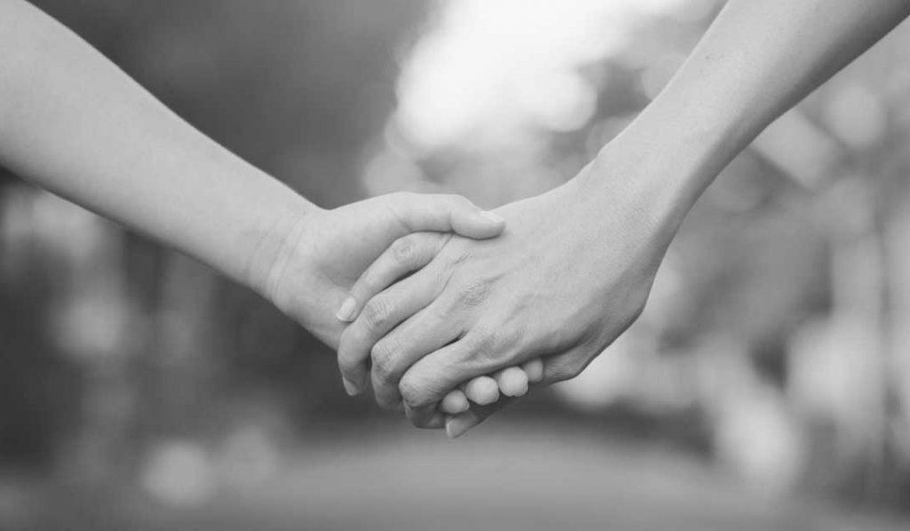 Ảnh nắm tay người yêu
