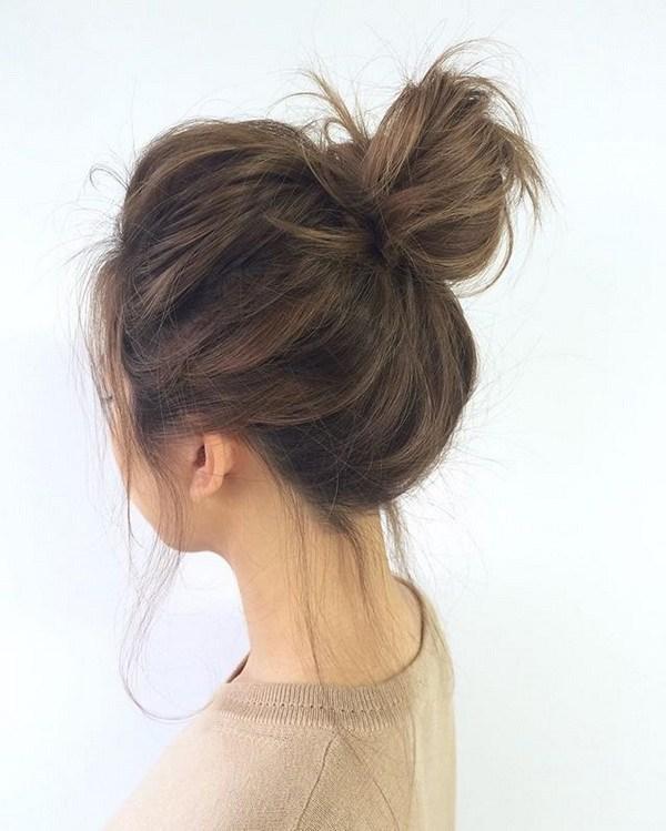 Kiểu búi tóc đơn giản