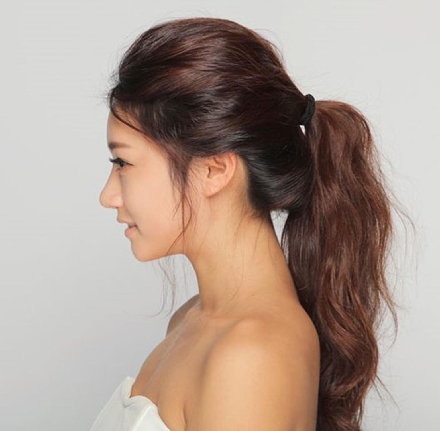 Kiểu buộc tóc đẹp mái phồng đơn giản nhất