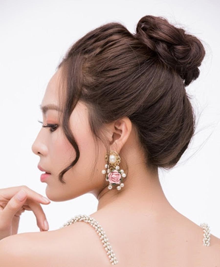 Kiểu buộc tóc ngắn đơn giản nhất