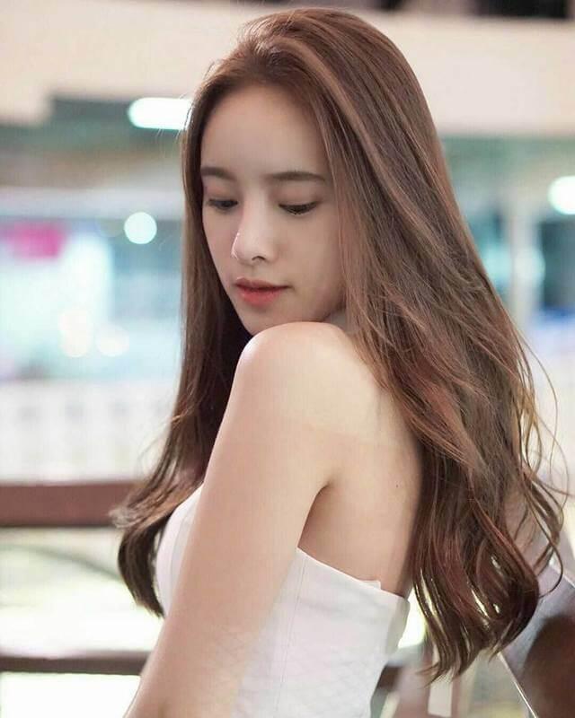 Kiểu tóc dài uốn cụp đuôi đẹp