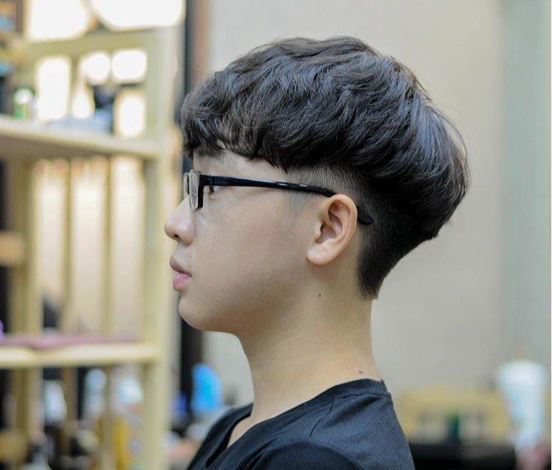 Kiểu tóc đẹp nhất cho học sinh nam đeo kính