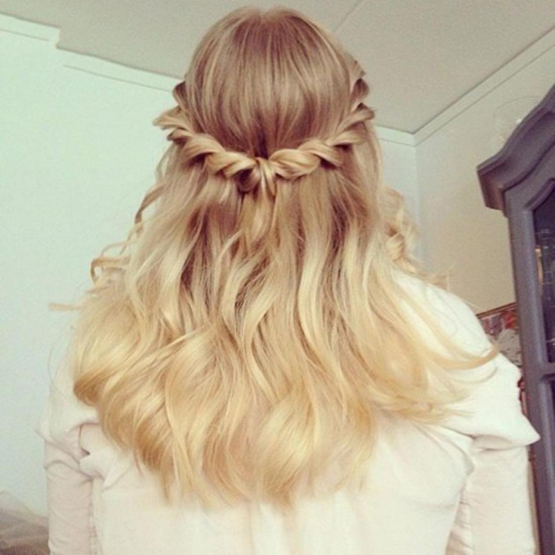 Kiểu tóc dự tiệc cưới dep