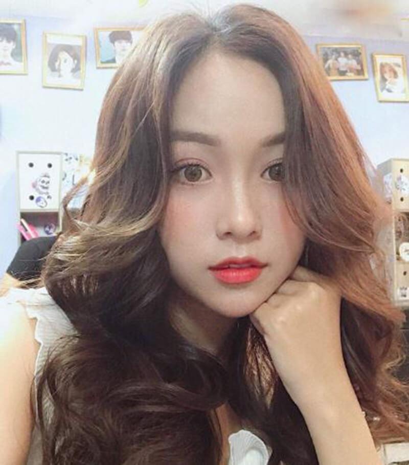 Kiểu tóc ép thẳng ngang vai đẹp cho nữ