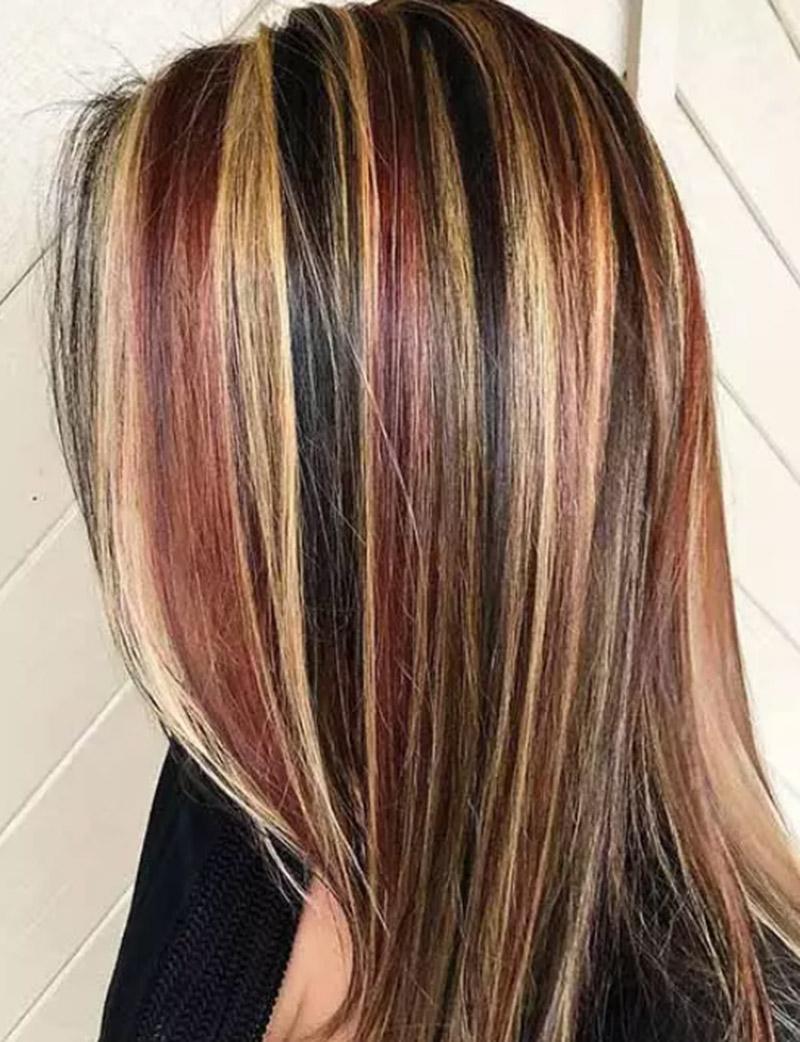 Kiểu tóc móc lai 7 màu