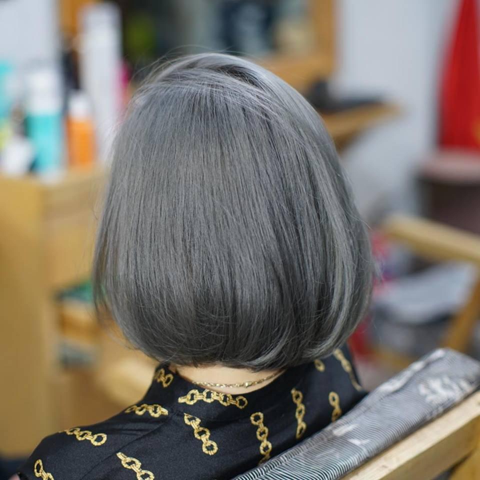 Kiểu tóc móc lai màu khói