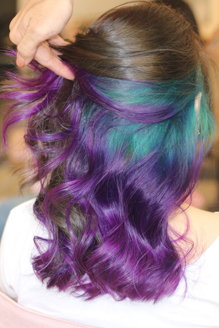 Kiểu tóc móc lai màu xanh tím đẹp nhất
