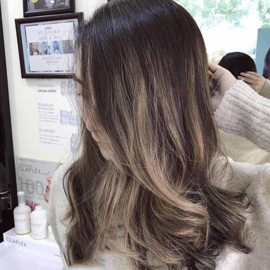 Kiểu tóc móc lai xanh dương