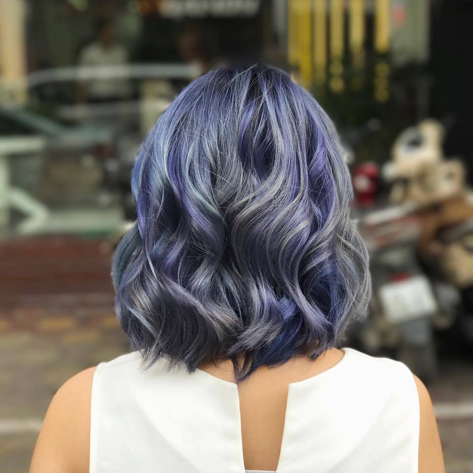 Kiểu tóc móc lai xanh tím