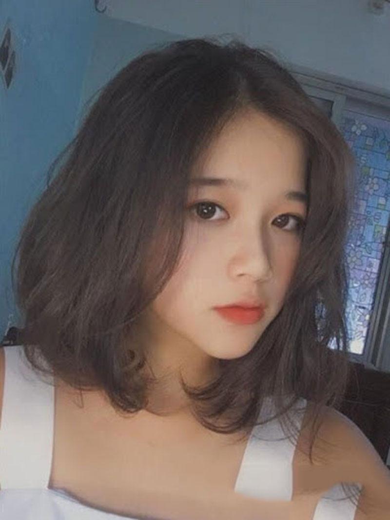 Kiểu tóc ngắn cúp mái thưa đẹp