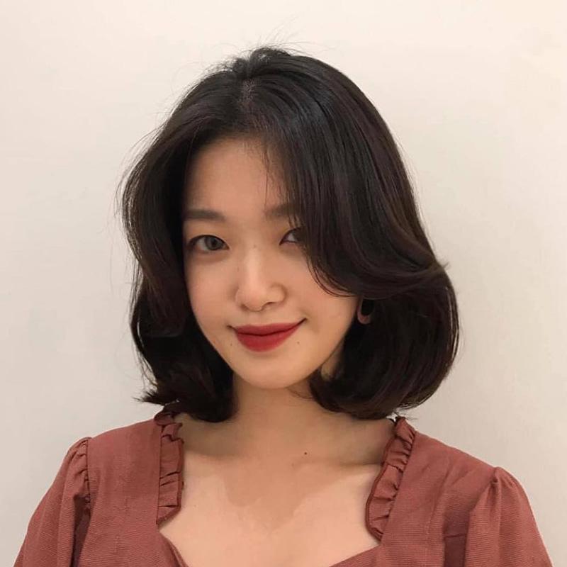 Kiểu tóc ngắn duỗi cúp ngang vai đẹp