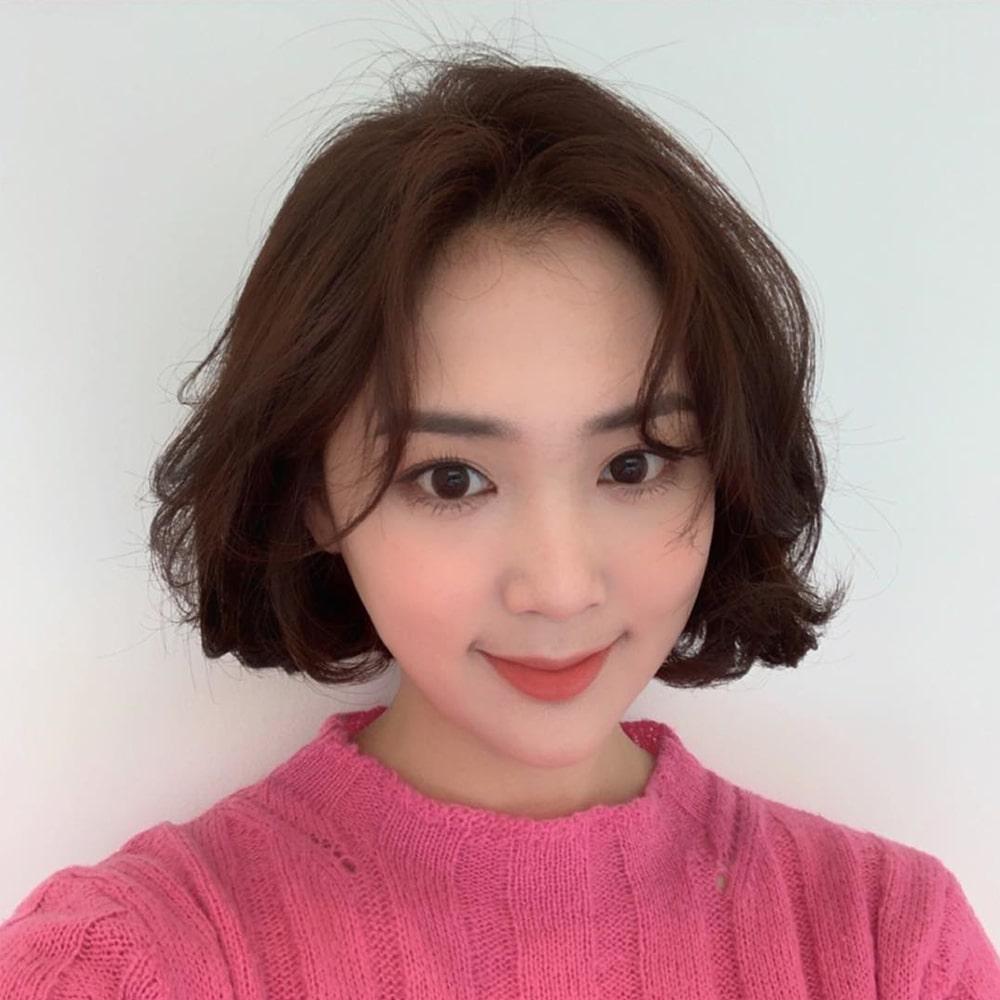 Kiểu tóc ngắn duỗi cúp phồng cho mặt dài đẹp