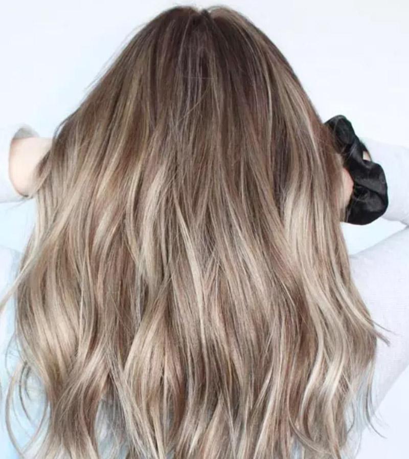 Kiểu tóc nhuộm màu bạch kim đẹp