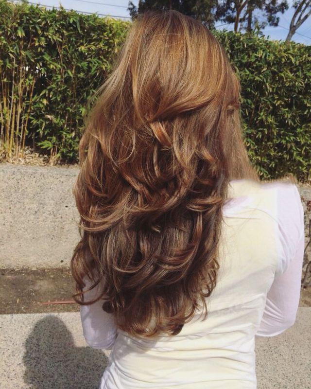 Kiểu uốn đuôi tóc dài đẹp