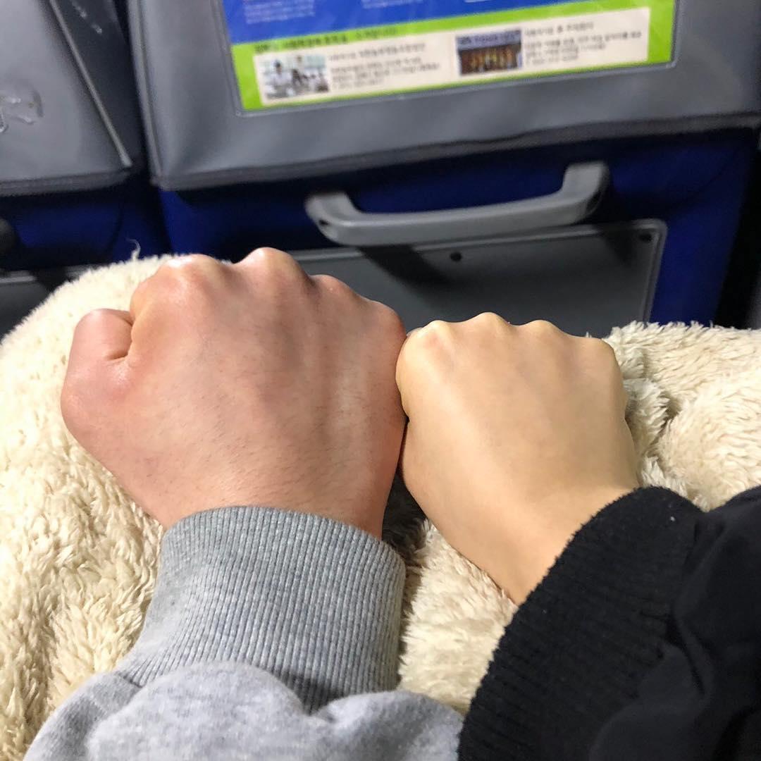 Nắm tay người yêu hình ảnh đẹp nhất