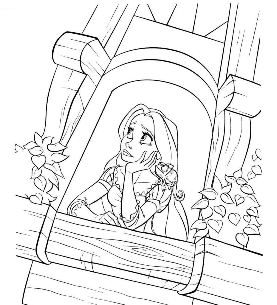 Tranh tô màu công chúa tóc mây trong tòa lâu đài